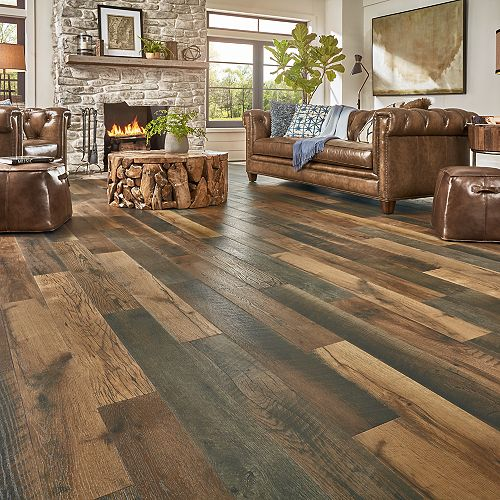 Reclaimed wood flooring combine the old with modern