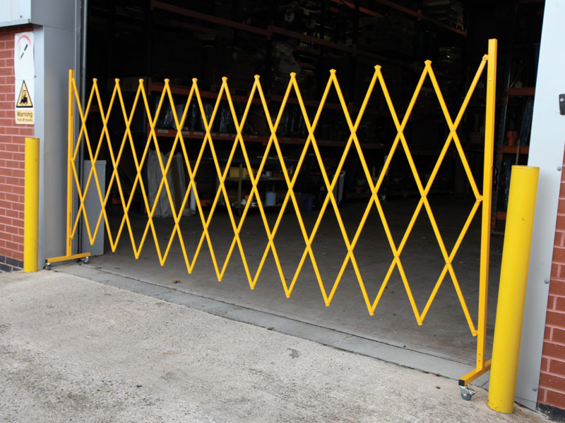Safety barrier structure