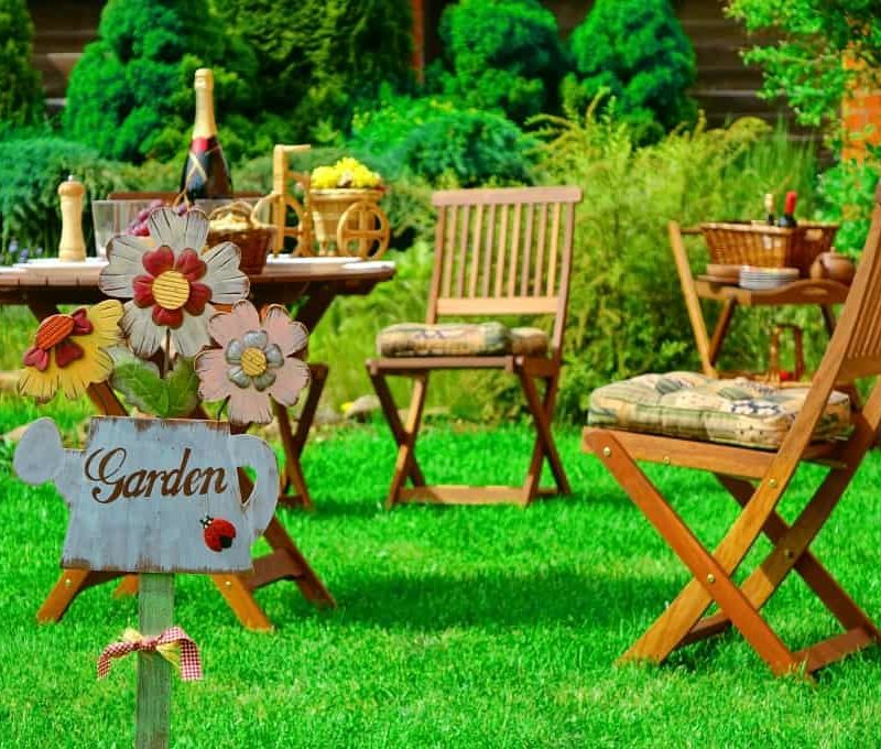 5 Ways to Upgrade Your Backyard This Summer