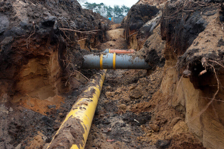 The difference between sewer line repair and replacement