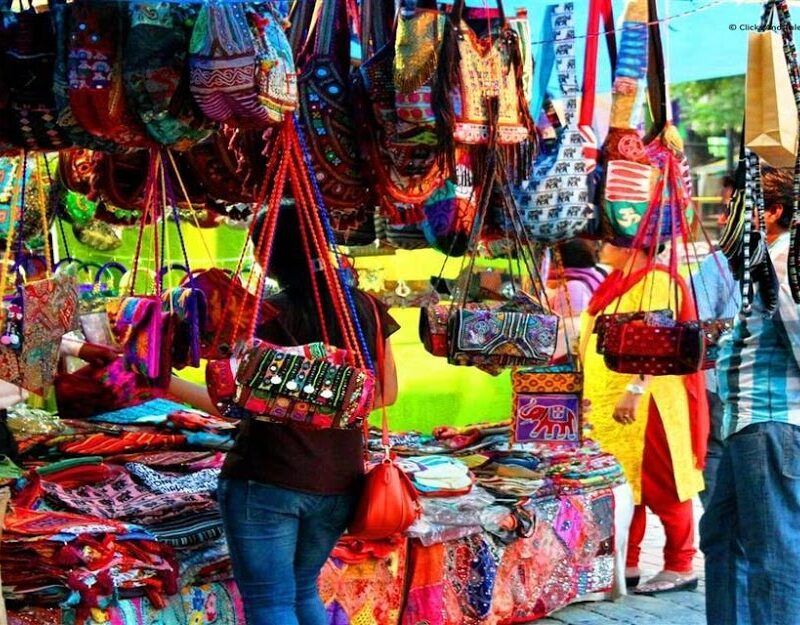 Enjoy the best flea markets in your locality